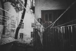Без названия / Итальянский дворик во Львове.Утро,балкон
