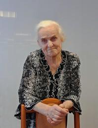Женский взгляд сквозь годы / Бабульке более 80 лет.