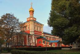 Успенская церковь Новодевичьего монастыря. / ***
